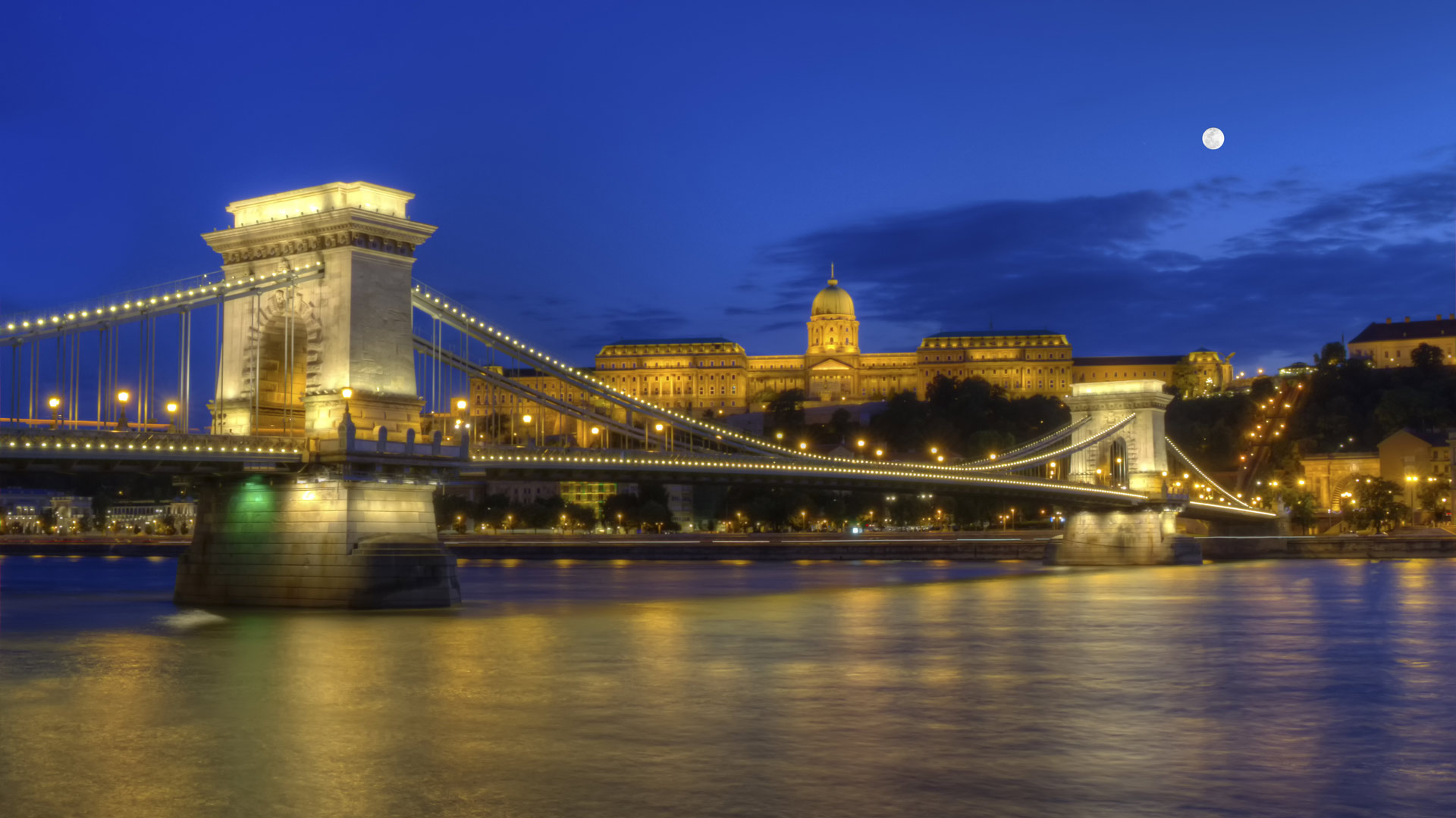 Chain Bridge, Royal Palace and Danube river in Budapest, Hungary, HDR